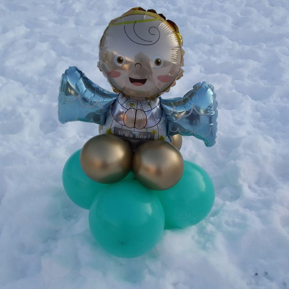 Ангелочек на облаке Мальчик фигура из шаров