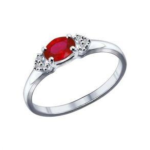 Кольцо из серебра с корундом рубиновым (синт.) и фианитами 84010015 SOKOLOV