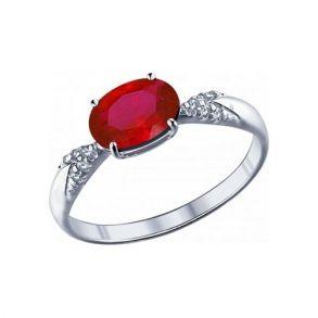 Кольцо из серебра с корундом рубиновым (синт.) и фианитами 84010020 SOKOLOV