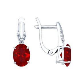 Серьги из серебра с корундами рубиновыми (синт.) и фианитами 84020020 SOKOLOV
