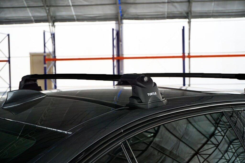 Багажник на крышу Mazda CX-7, Turtle Air 3 Premium, аэродинамические дуги в штатные места (черный цвет)
