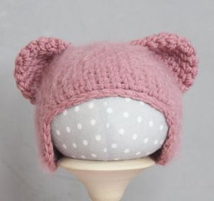 Вязаная шапочка Медвежонок пушистый Пыльная роза