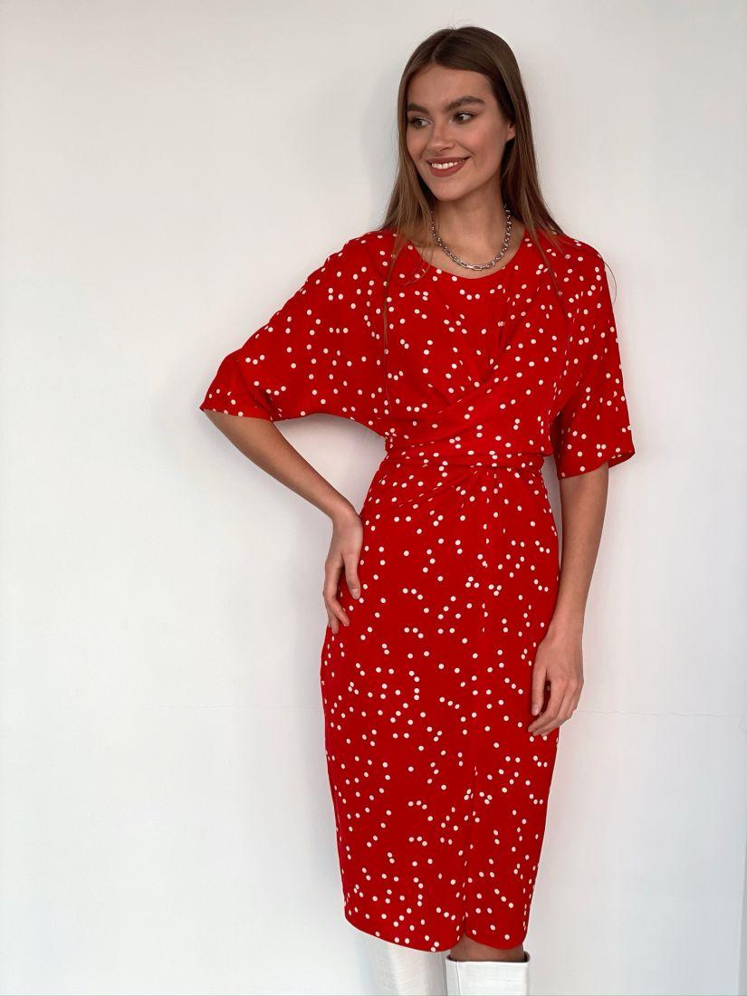 s3584 Платье с перекрутами красное