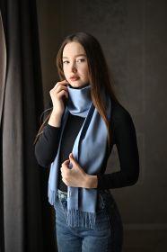 тёплый шарф с кистями 100% шерсть мериноса,  расцветка Светло-голубой 100% Ultrafine Merino Wool Light Blue  , средняя плотность 5