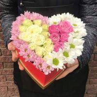 25 Роз с хризантемами