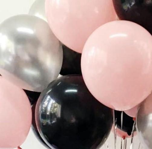 Ассорти розовый, черный, серебро латексных шаров с гелием
