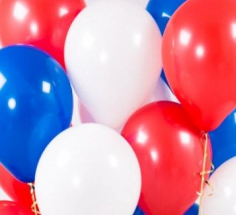 Ассорти белый, синий, красный латексных шаров с гелием