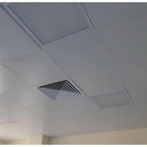 Белый матовый кассетный потолок