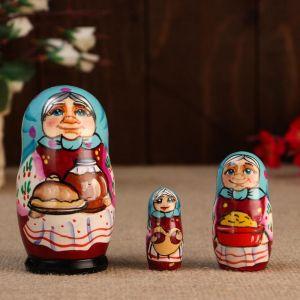 """Матрешка """"Бабуля с кринкой"""", 3 кукольная, 10 см"""