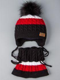 РБ 0022236 Шапка вязаная для мальчика с помпоном на завязках, нашивка супер сын + снуд, черный