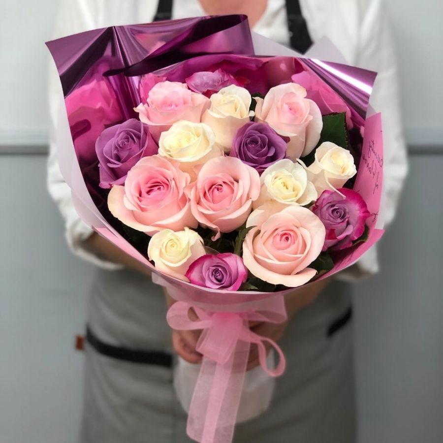 15 роз Эквадор 50 см в красивой упаковке