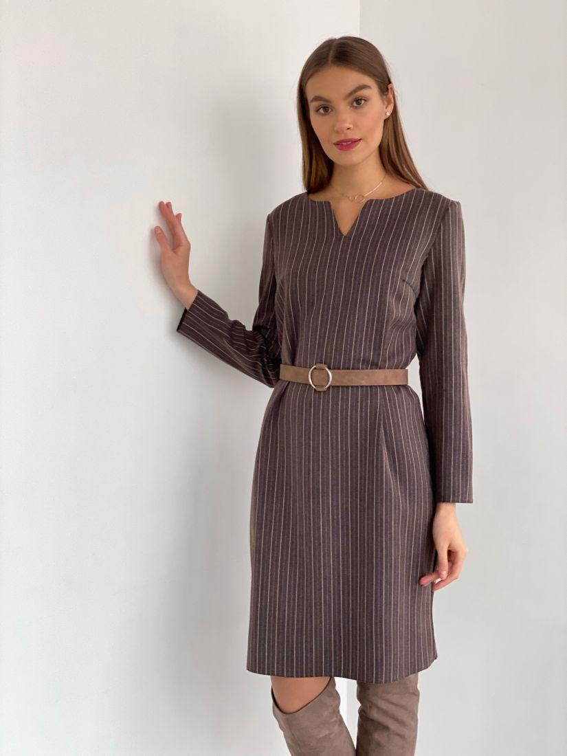 s3033 Платье с фигурным вырезом в полоску шоколадное