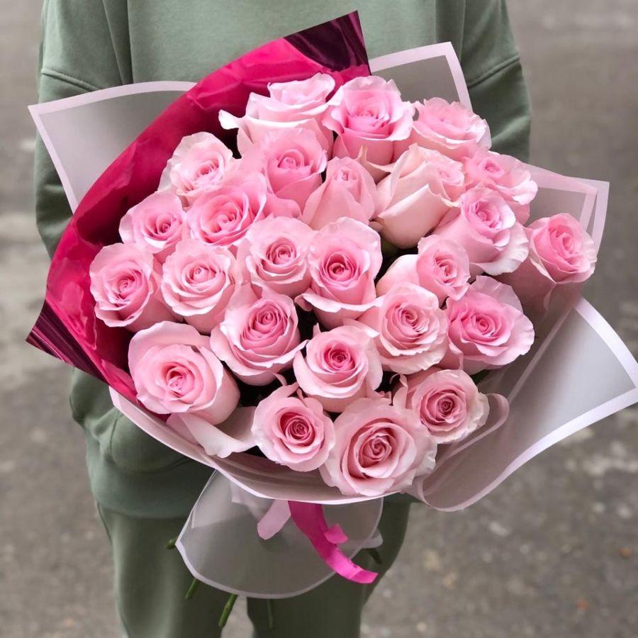 25 розовых роз 60 см в стильной упаковке