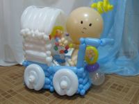Малыш мальчик в коляске