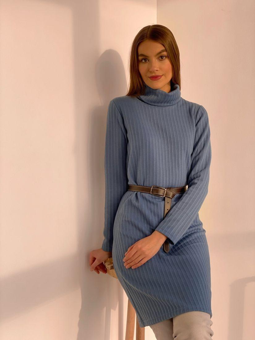 s3659 Платье-свитер голубое