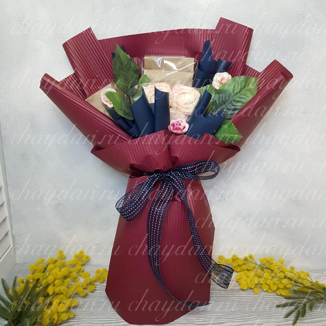 Букет из чая и сладостей  «Бордовый шик на 8 марта»