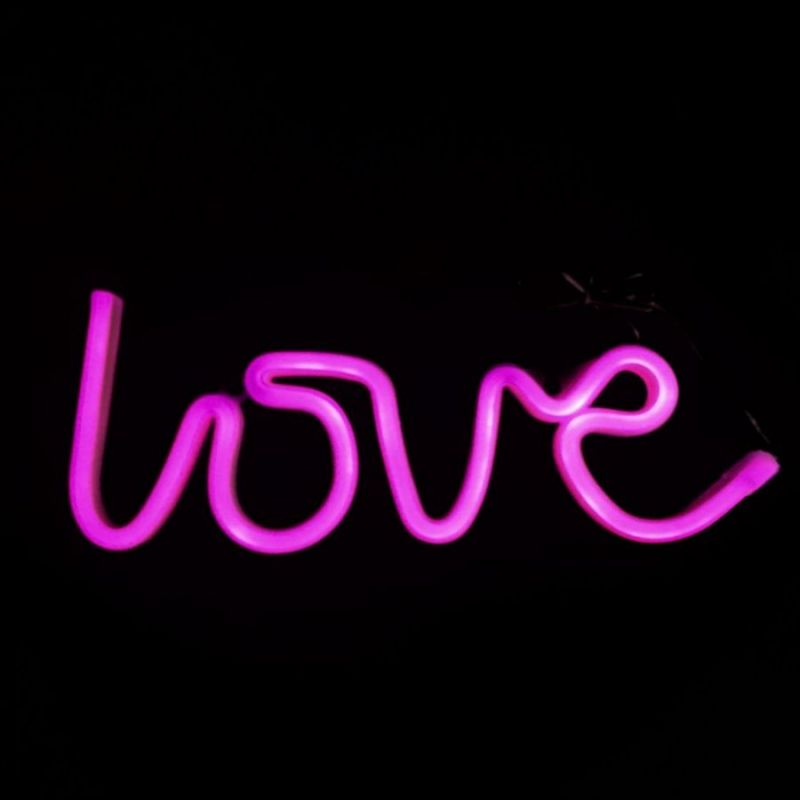 Неоновая лампа LOVE