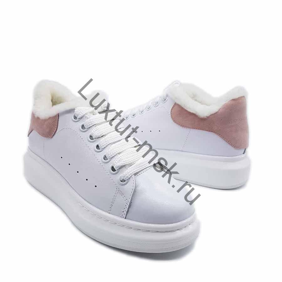 faff44bb866924 Женские зимние кроссовки Alexander McQueen с розовым задником пяткой купить  ...