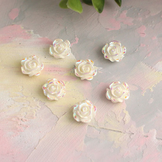 Кукольная миниатюра - Кабошон Роза белая с перламутром