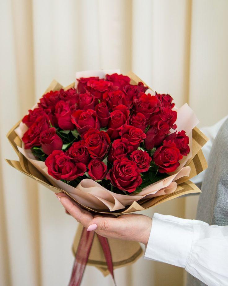 Букет цветов из 25 кенийских  роз