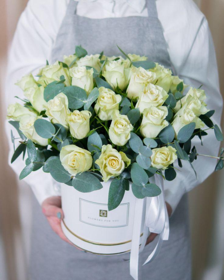 Коробка с цветами 25 кенийских роз