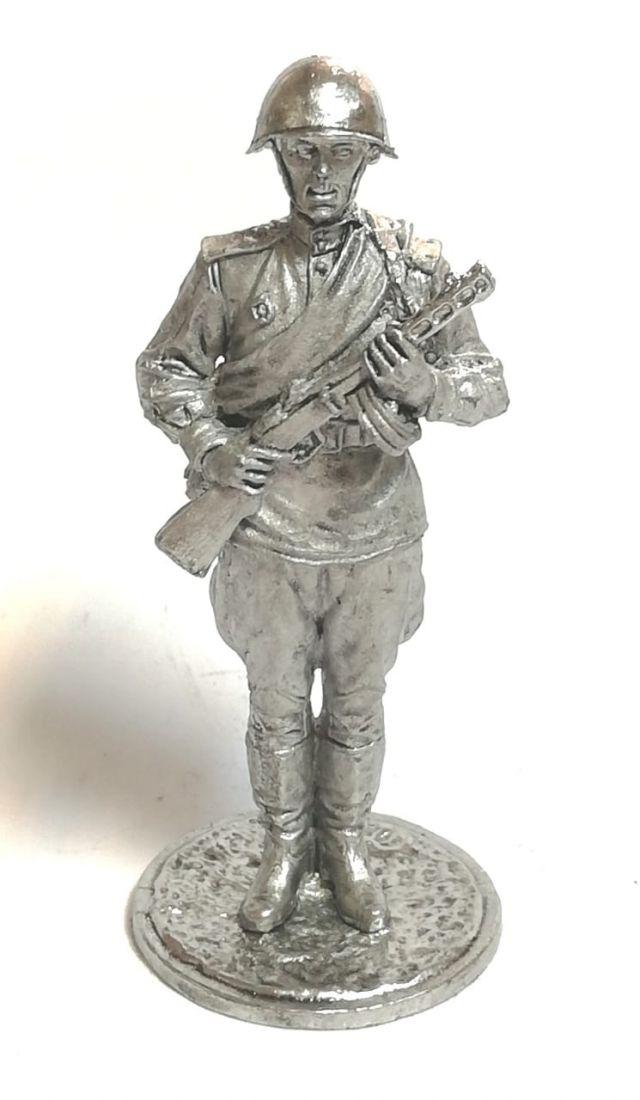 Фигурка солдат автоматчик олово