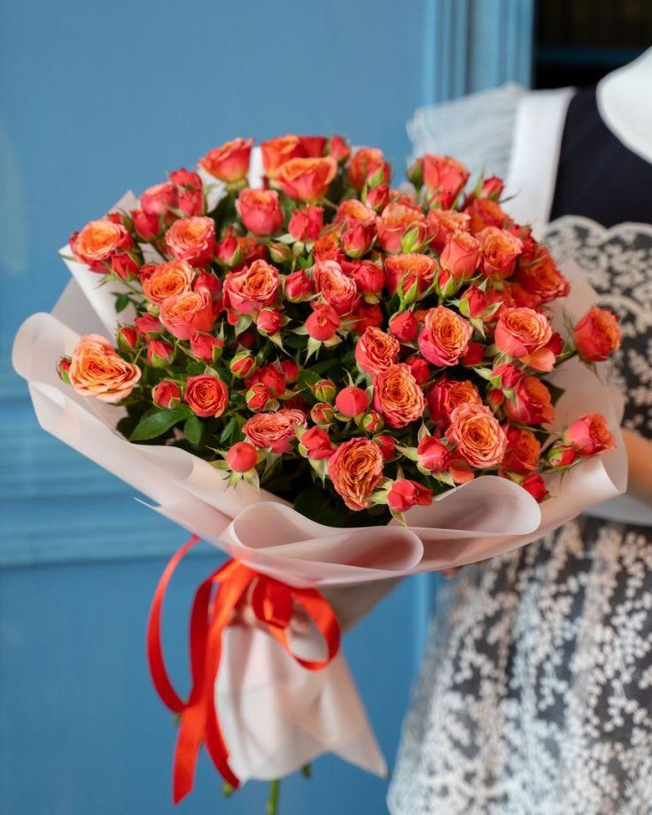 Букет на выпускной из 15 кустовых роз