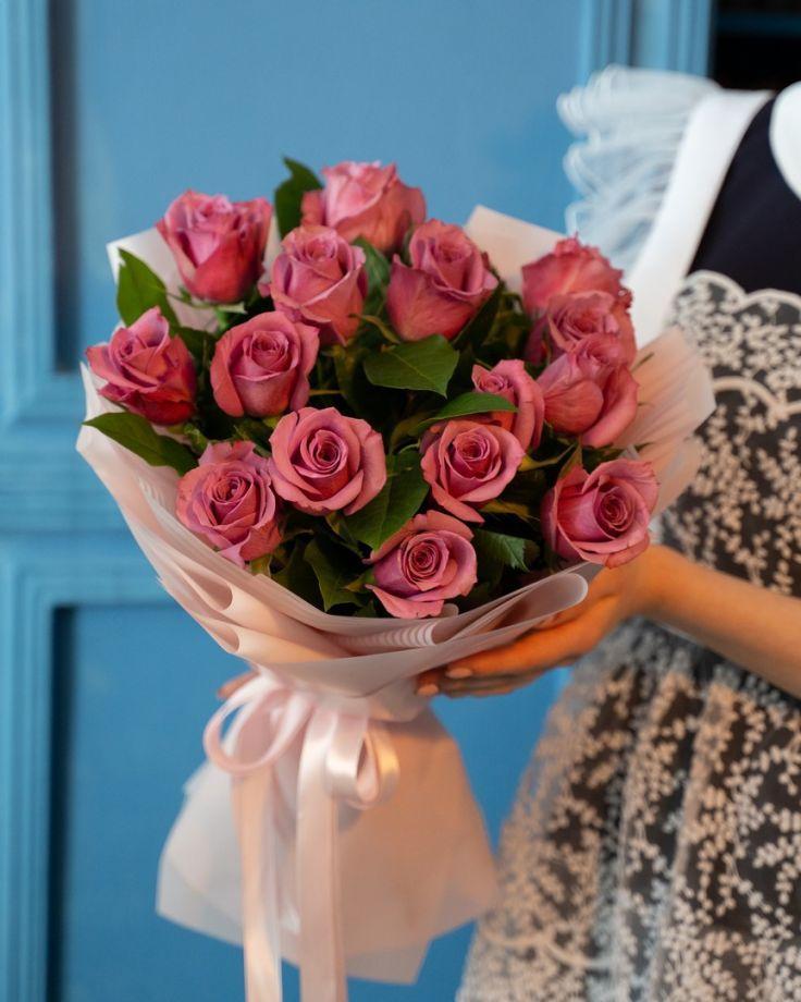 Букет на выпускной из 15 кенийскиих роз