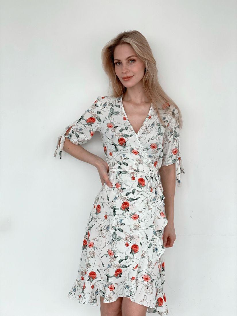 s3983 Платье с запахом белое с розочками