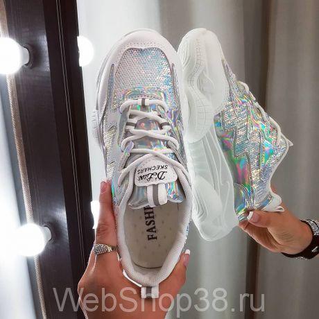 Белые блестящие кроссовки с пайетками