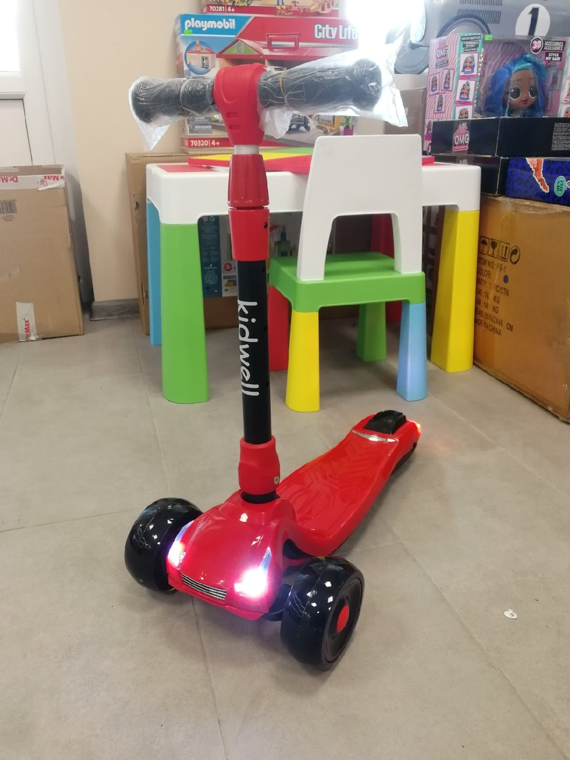 Трехколесный самокат RACE Red KIDWELL
