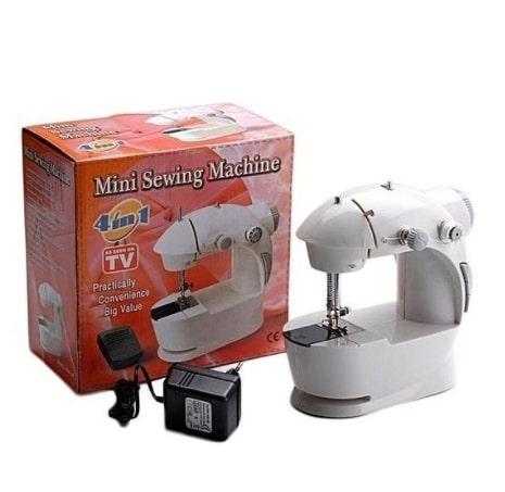 Мини швейная машина 4в1 Mini Sewing Machine - это небольшое и компактное устройство, легкое и простое в использовании для дома и поездок. Работает от сети и от 4 батареек.