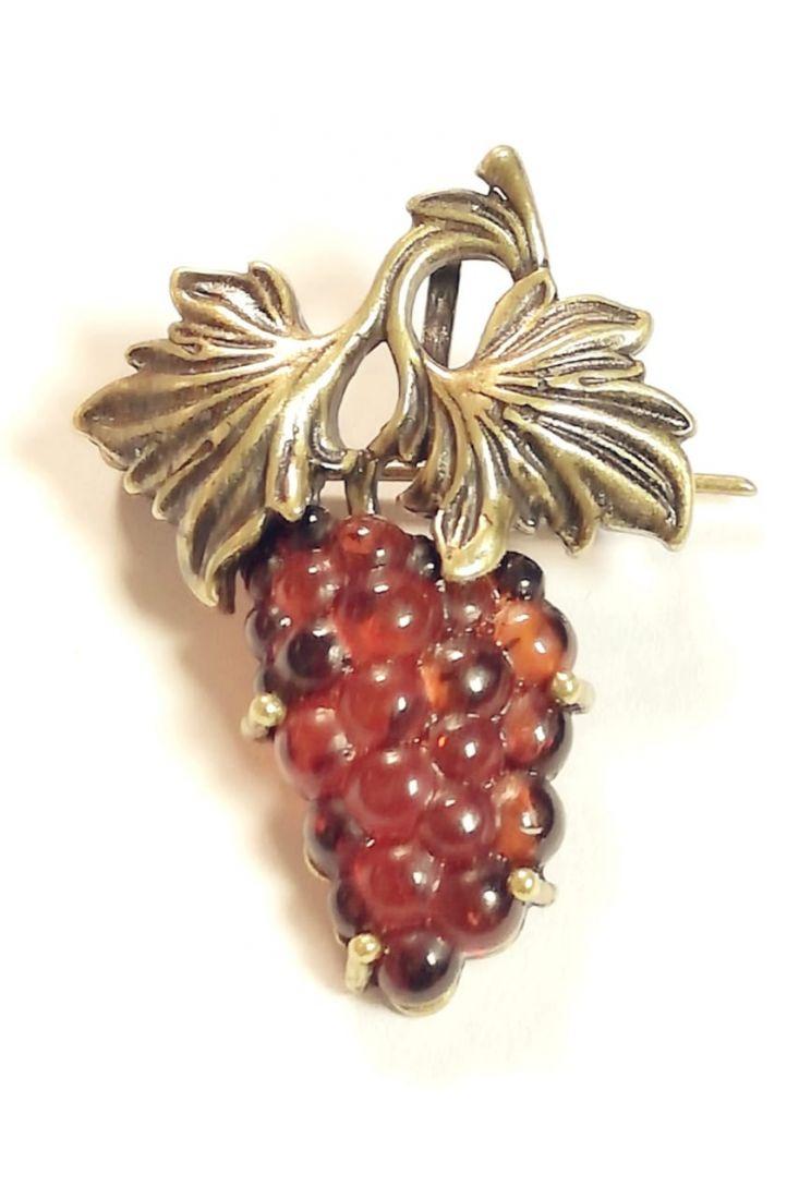 Брошь гроздь винограда янтарь