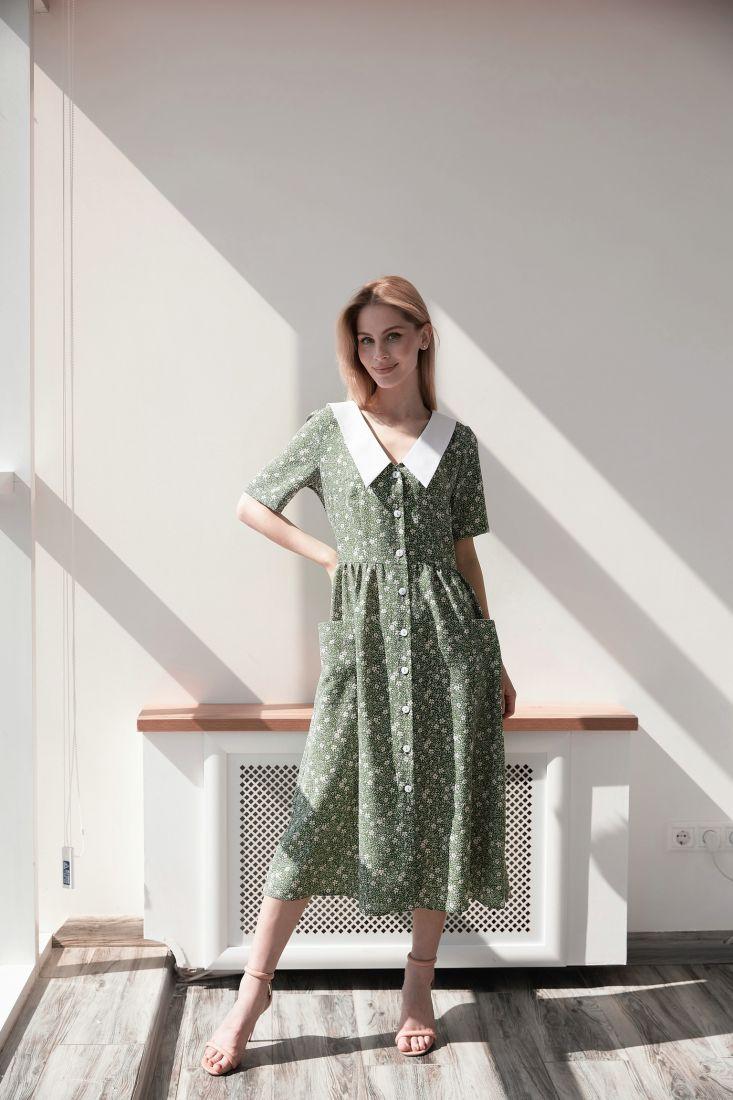 s4001 Платье с цветочным принтом и акцентным воротником