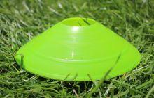 Конус для разметки поля футбольный ( фишка) салатовая