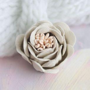Цветок 3 см. плотный тканевый, молочный
