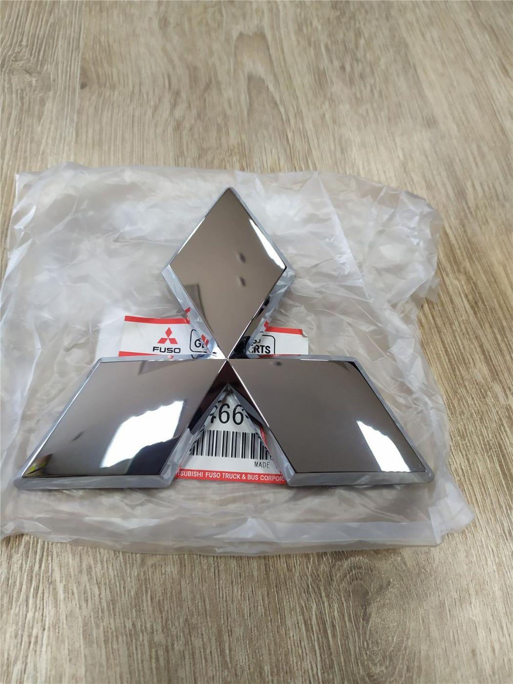 Эмблема в решетку радиатора Mitsubishi Fuso Canter