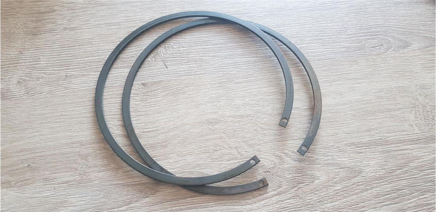 Кольцо стопорное задней ступицы ISUZU FSR90