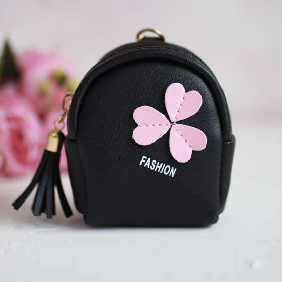 Рюкзак для куклы, Три сердечка, черный, 10 см.
