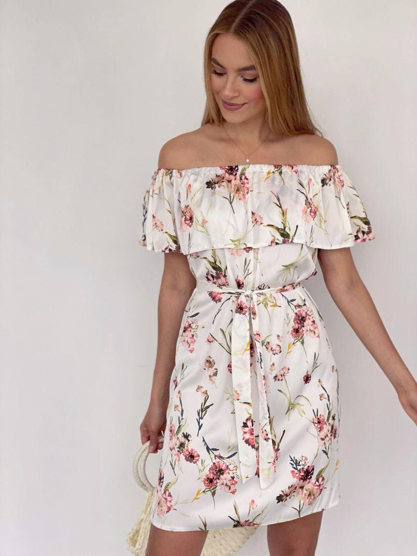 4134 Платье с открытыми плечами из белого шёлка с цветами