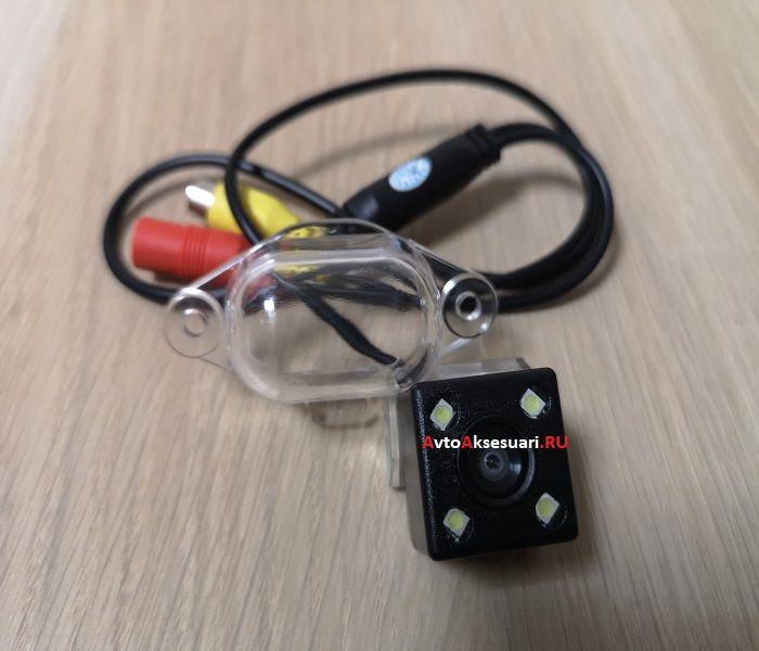 Камера заднего вида для Nissan X-Trail (T30) 2001-2006