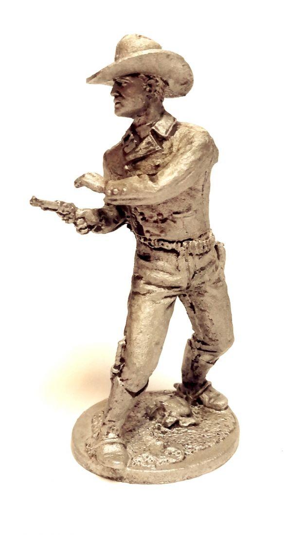 Фигурка Ковбой стреляющий из револьвера олово