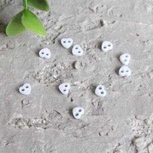 Набор микро пуговиц для творчества - Белые сердечки, 10 шт., 4 мм.