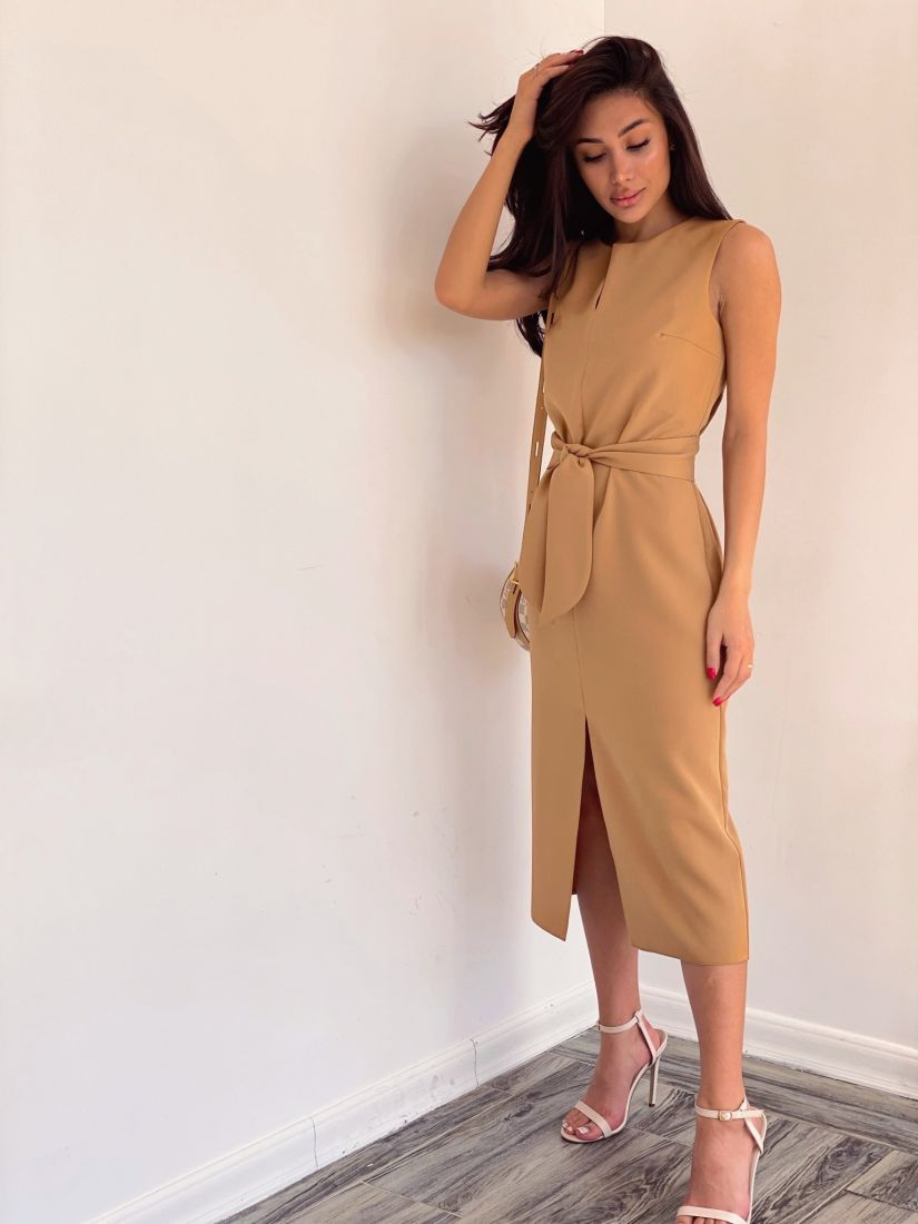 4198 Платье базовое прямое в песочном цвете