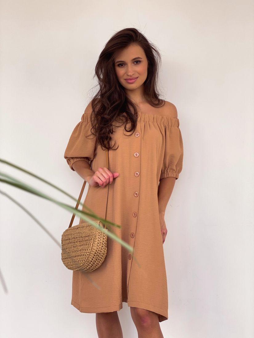 4215 Платье с открытыми плечами песочного цвета
