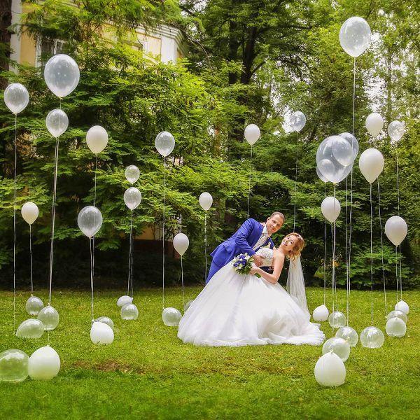 Фото-зона из шаров «невесомость»