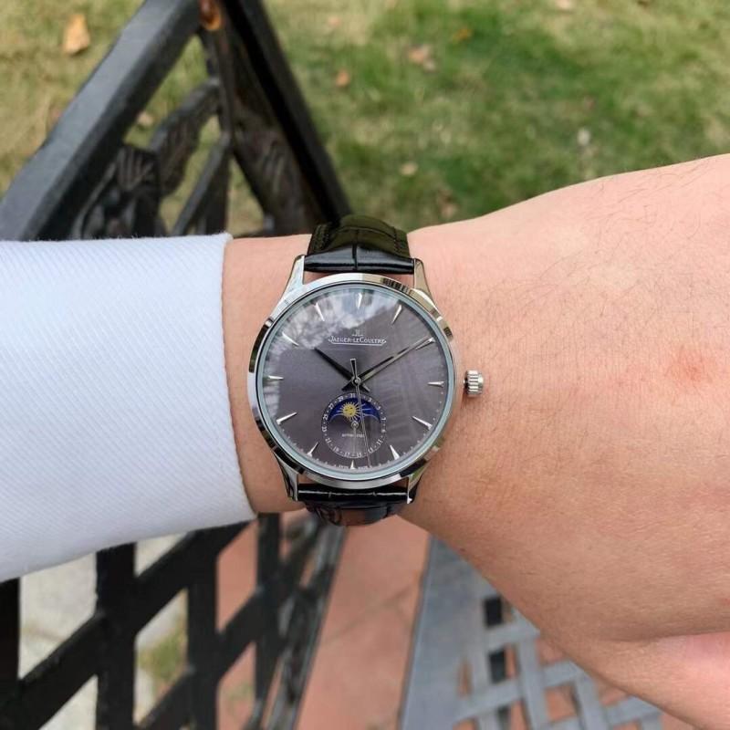 Часы Jaeger-LeCoulter