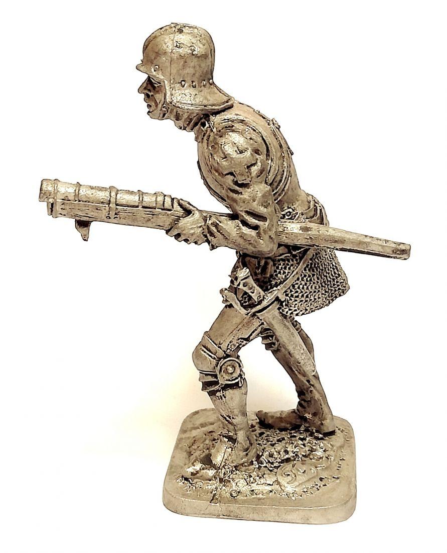 Фигурка Швейцарский стрелок из ручницы. 15 в олово
