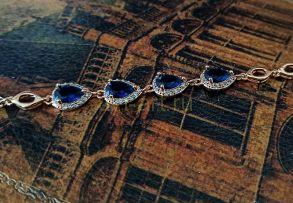 Позолоченный элегантный браслет с искусственными сапфирами (арт. 250337)