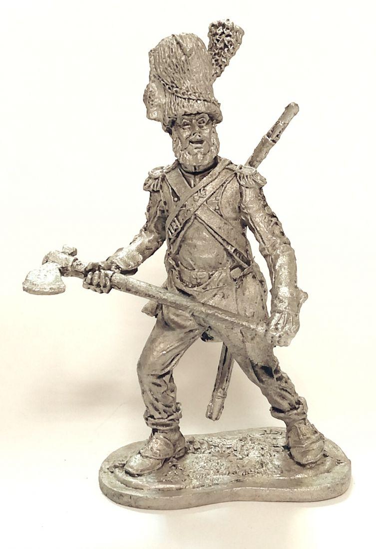 Фигурка Сапер линейной пехоты Франция 1805-14 г олово